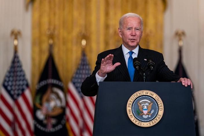 WASHINGTON, DC - OCTOBER 13: President Joe Biden delivers remarks after meeting with senior officials and stakeholders to discuss collective efforts to address global transportation supply chain bottlenecks in the East Room of the White House, on Wednesday, Oct. 13, 2021 in Washington, DC. (Kent Nishimura / Los Angeles Times)