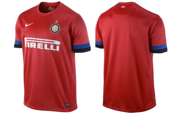 online retailer d7e6c 47222 Inter Milan ultras are very unhappy about their new red away ...