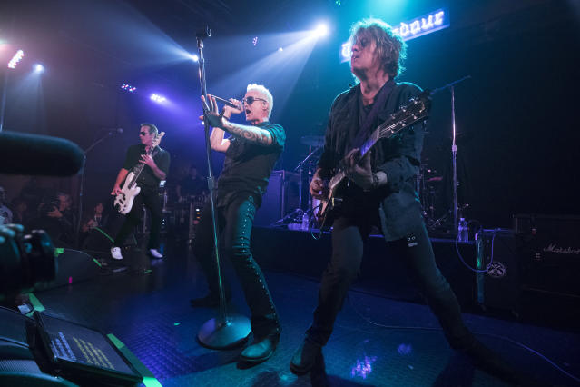 Stone Temple Pilots at the Troubadour with Jeff Gutt (Photo: Neilson Bernard)