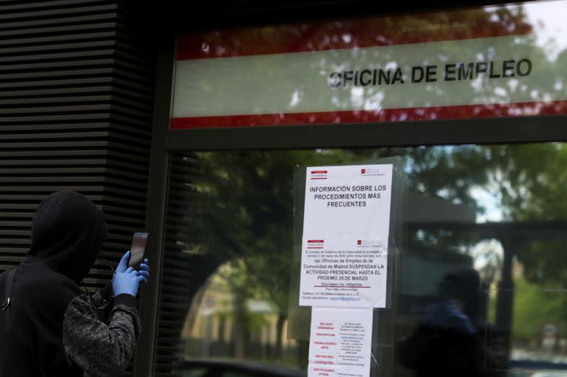Spain logs first fall in unemployment since February