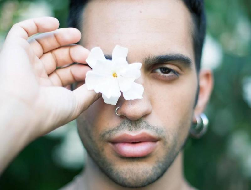 Mahmood gay