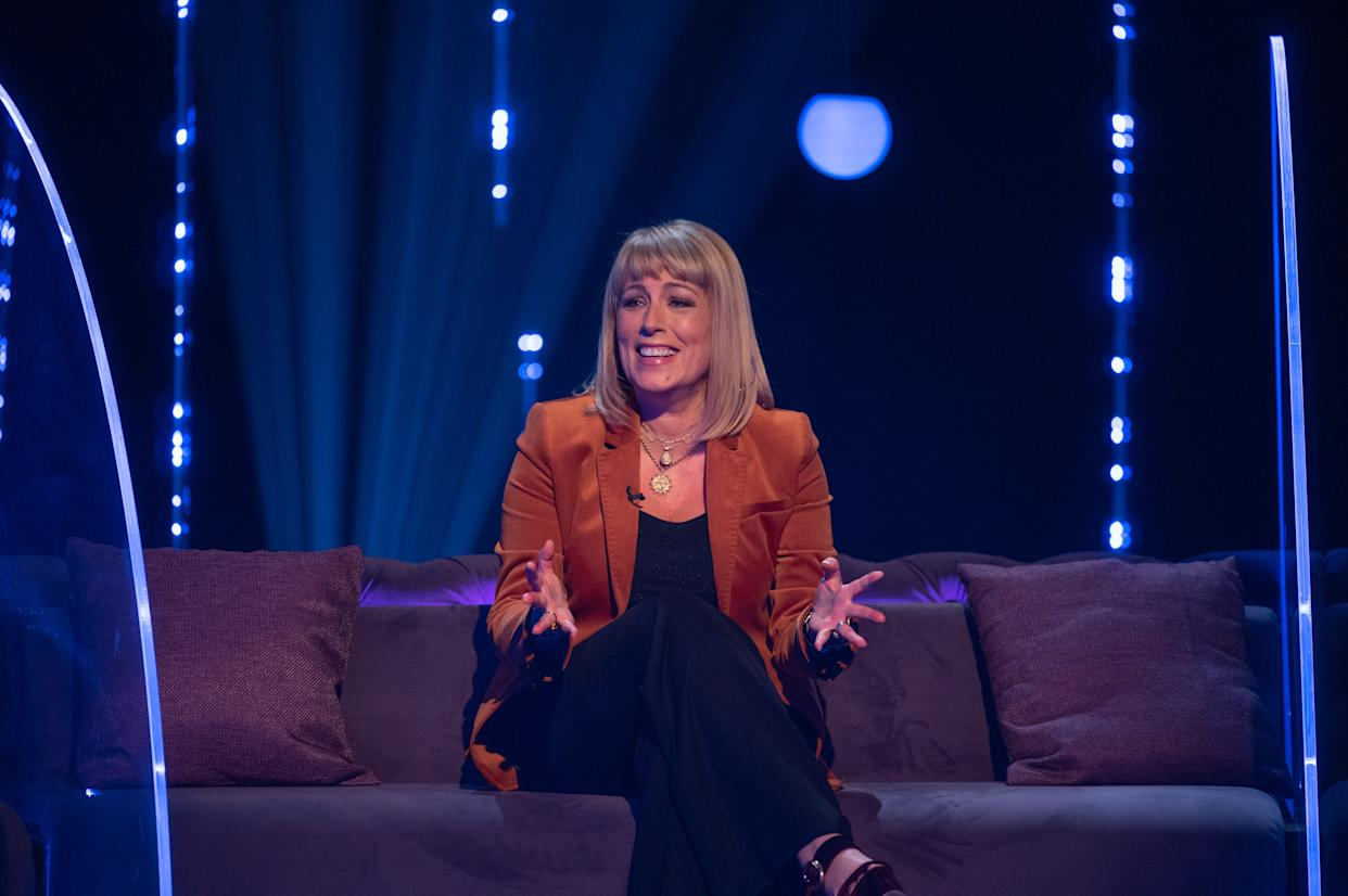 Fay Ripley and Rob Beckett each captain a team. (ITV)