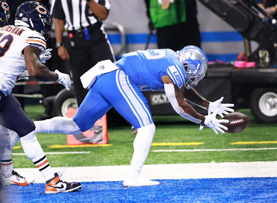 D'Andre Swift of the Detroit Lions had a critical drop in Sunday's loss. (Photo by Rey Del Rio/Getty Images)