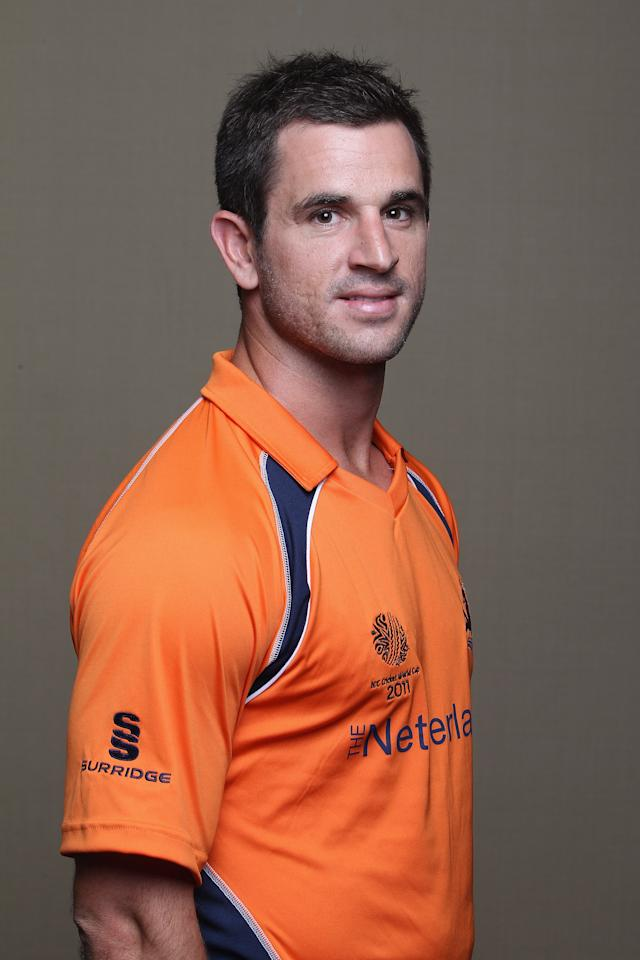 COLOMBO, SRI LANKA - FEBRUARY 09: Ryan ten Doeschate of the Netherlands ahead of the 2011 ICC World Cup at the Hilton Hotel  on February 9, 2011 in Colombo, Sri Lanka.  (Photo by Michael Steele/Getty Images)