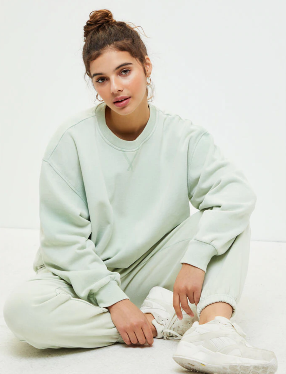 "<h3><a href=""https://www.pacsun.com/"" rel=""nofollow noopener"" target=""_blank"" data-ylk=""slk:PacSun"" class=""link rapid-noclick-resp"">PacSun</a></h3> <br>You might've forgotten about the California-cool retailer PacSun, so let us reintroduce you through its crop of comfy, cute sweatsuits that'll brighten up your at-home attire. <br><br><strong>LA Hearts by PacSun</strong> Hailey Vintage Pullover Sweatshirt, $, available at <a href=""https://go.skimresources.com/?id=30283X879131&url=https%3A%2F%2Fwww.pacsun.com%2Fla-hearts%2Fhailey-vintage-pullover-sweatshirt-0751484260041.html"" rel=""nofollow noopener"" target=""_blank"" data-ylk=""slk:PacSun"" class=""link rapid-noclick-resp"">PacSun</a><br><br><strong>LA Hearts by PacSun</strong> Hailey Sweatpants, $, available at <a href=""https://go.skimresources.com/?id=30283X879131&url=https%3A%2F%2Fwww.pacsun.com%2Fla-hearts%2Fhailey-sweatpants-0058552.html"" rel=""nofollow noopener"" target=""_blank"" data-ylk=""slk:PacSun"" class=""link rapid-noclick-resp"">PacSun</a><br>"