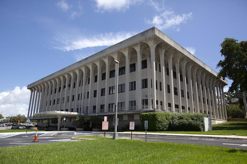 The federal court building stands in West Palm Beach, Fla. (Photo: Saul Martinez/Bloomberg via Getty Images)