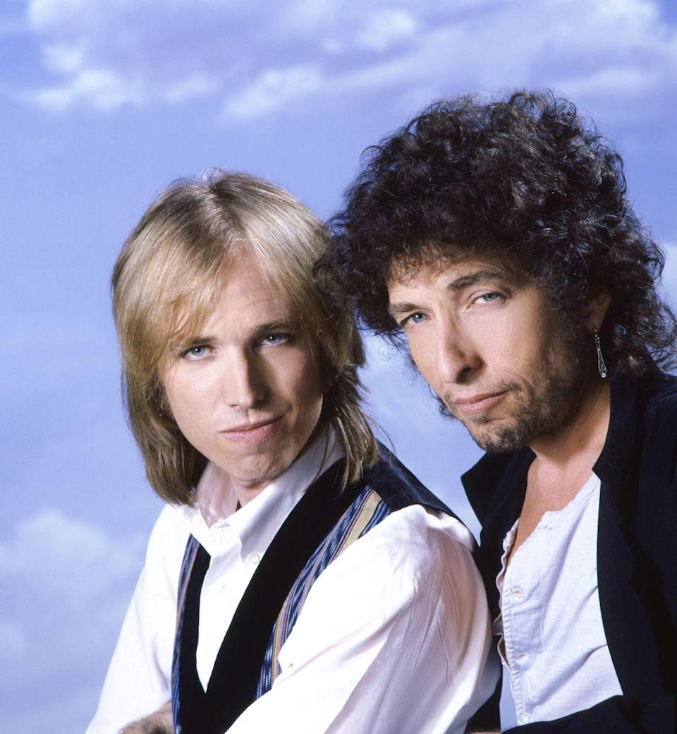 <p>Tom Petty and Bob Dylan pose for a <em>Rolling Stone</em> Magazine cover in Los Angeles in 1986.</p>