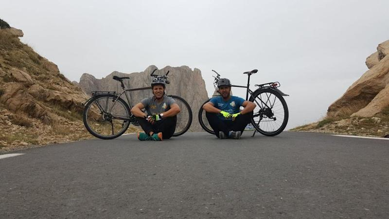 Meet the two Algerians discovering their country by bike