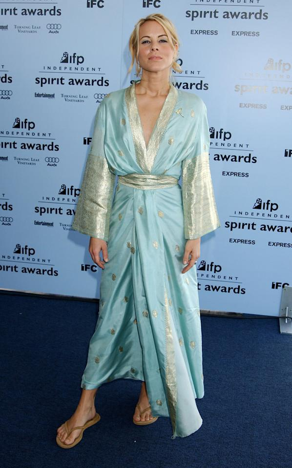 Maria Bello, 2003<br><br>Clearly, Bello needs a stylist. Getting red carpet-ready on her own ... not so much.