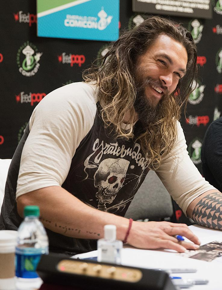 <p>And while the hair really is next-level, it's the <em>Frontier</em>star's smile that lights up a room — or an autograph line at a comic book and pop culture convention. (Photo: Mat Hayward/Getty Images) </p>