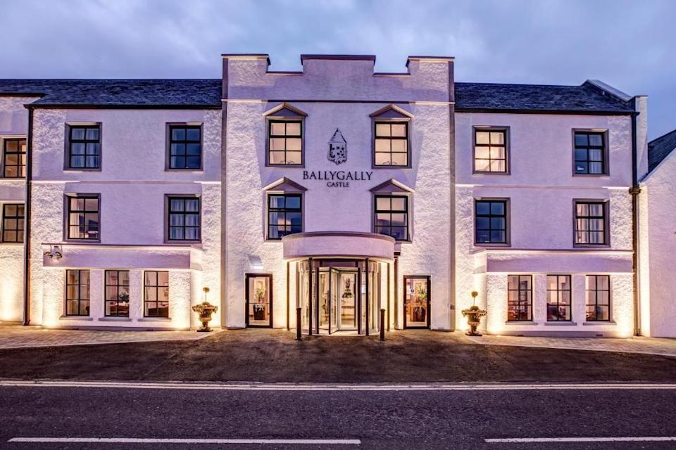 """<p>Part of Northern Ireland's luxury hotel group Hastings Hotels, <a href=""""https://go.redirectingat.com?id=127X1599956&url=https%3A%2F%2Fwww.booking.com%2Fhotel%2Fgb%2Fballygally.en-gb.html%3Faid%3D2070929%26label%3Dbest-luxury-family-hotels&sref=https%3A%2F%2Fwww.redonline.co.uk%2Ftravel%2Finspiration%2Fg504997%2Fbest-luxury-family-hotels%2F"""" rel=""""nofollow noopener"""" target=""""_blank"""" data-ylk=""""slk:Ballygally Castle"""" class=""""link rapid-noclick-resp"""">Ballygally Castle</a> is ideal for a trip away with teens. Set on the scenic Antrim coast facing the soft, sandy beaches of Ballygally Bay and just 26 miles from Belfast, it's one of the largest hotels on the spectacular Causeway Coastal Route, giving you plenty to see and do. </p><p>There are six large family rooms with enough room for everyone - including the hotel's very own friendly ghost: Lady Isabelle Shaw. Those who dare can tiptoe up the winding staircase to the spine-tingling ghost room to catch a glimpse of Lady Isabella, who has been a resident at the hotel for over 400 years. Meanwhile, foodie families can take a picnic into the Glen or enjoy afternoon tea.</p><p><a class=""""link rapid-noclick-resp"""" href=""""https://go.redirectingat.com?id=127X1599956&url=https%3A%2F%2Fwww.booking.com%2Fhotel%2Fgb%2Fballygally.en-gb.html%3Faid%3D2070929%26label%3Dbest-luxury-family-hotels&sref=https%3A%2F%2Fwww.redonline.co.uk%2Ftravel%2Finspiration%2Fg504997%2Fbest-luxury-family-hotels%2F"""" rel=""""nofollow noopener"""" target=""""_blank"""" data-ylk=""""slk:CHECK AVAILABILITY"""">CHECK AVAILABILITY</a></p>"""