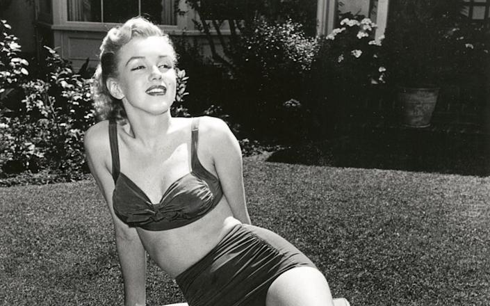 Marilyn Monroe outside Bungalow 7 at the Beverly Hill Hotel - 'The Beverly Hills Hotel: The First 100 Years' by Robert Anderson
