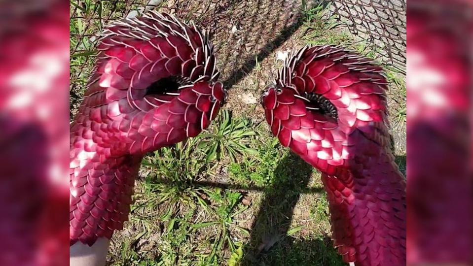 Dragonscale Gauntlets in red