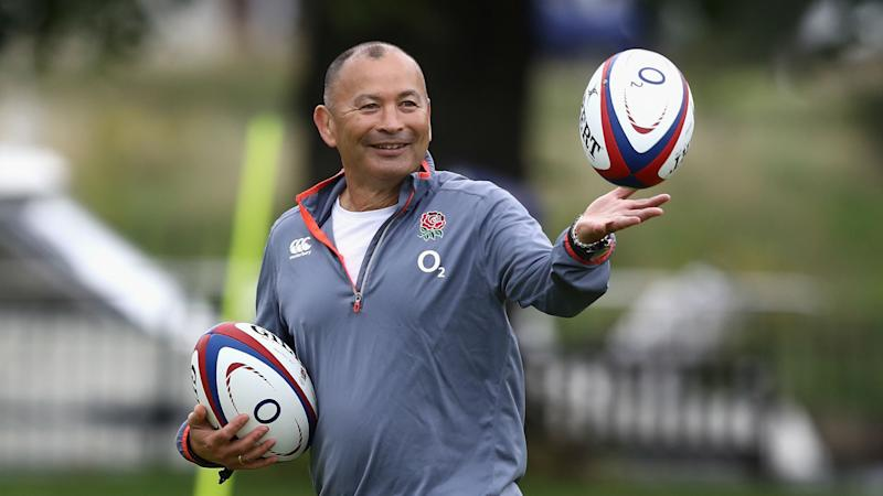 Eddie Jones signs new England contract