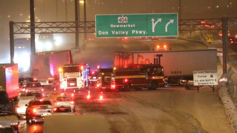Jack-knifed transport truck causes headaches on Highway 401