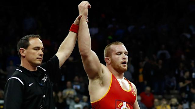 American Kyle Snyder beat Khetag Gazyumov in Rio to win the gold medal in the men's freestyle 97 kg Olympic wrestling competition.