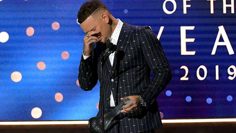 Kane Brown Breaks Down in Tears While Honoring Late Drummer Kenny Dixon at 2019 CMT Artists of the Year