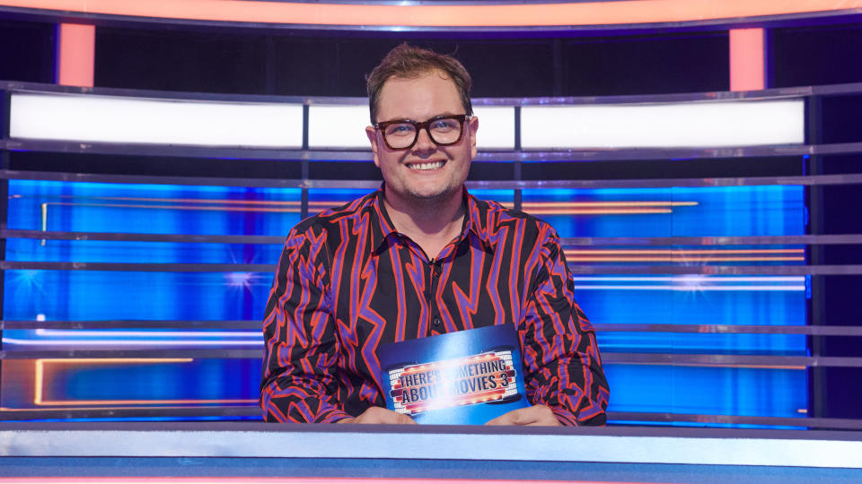 Alan Carr hosts film-based panel show 'There's Something About Movies'. (Credit: Justin Downing/Sky/NOW)