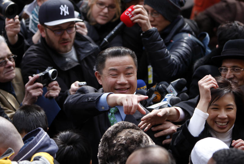 Comptroller starts bid to be NYC's 1st Asian mayor