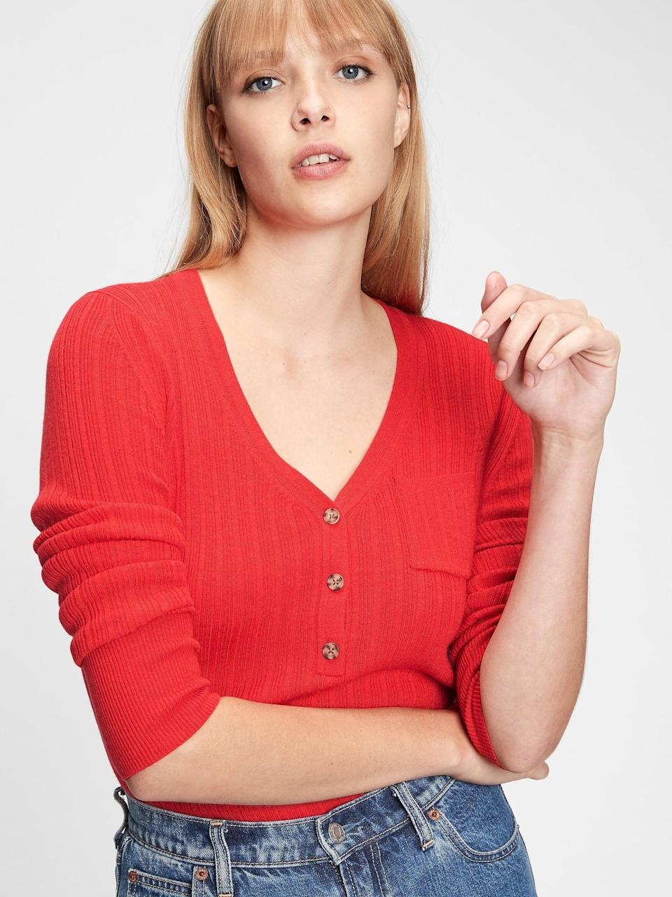 <p>This <span>Gap Ribbed Henley Pocket Sweater</span> ($40, originally $50) is the one I opted for this season. I'm wearing it right now. Super comfortable, I love the polished ribbed style and tortoise buttons that gift a collegiate prep effect. Perfect with a great pair of classic denim.</p>
