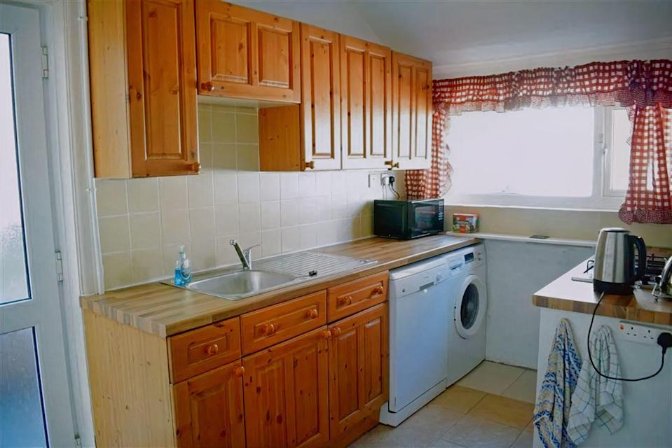 <p>How would you revamp this kitchen if you could?</p>