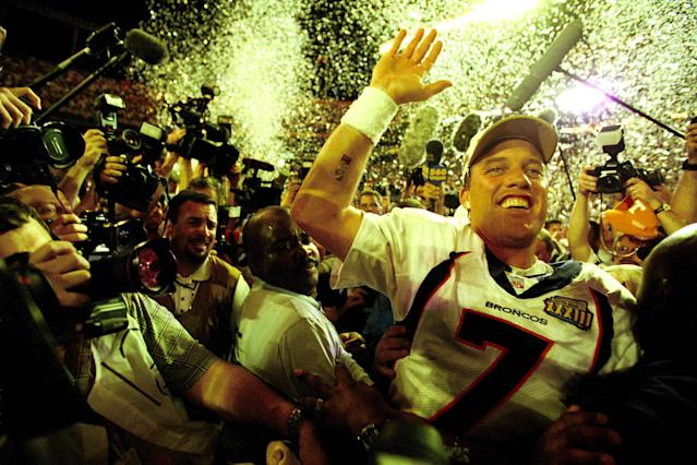 Quarterback John Elway of the Denver Broncos celebrates after winning Super Bowl XXXIII 34 to 19 over the Atlanta Falcons on 01/31/1999. This was Elway's second connsecutine Super Bowl win and his last game before retiring. (ArtSelect 00013, DPS 6153) 000-005-013 (Photo by Allen Kee/Getty Images)