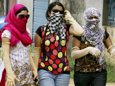Heat wave conditions prevail in Odisha, Delhi-NCR, Telangana; IMD issues warning as maximum temperatures range from 37 to 45C