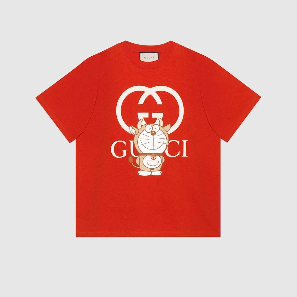 "<p><strong>Gucci</strong></p><p>gucci.com</p><p><strong>$650.00</strong></p><p><a href=""https://go.redirectingat.com?id=74968X1596630&url=https%3A%2F%2Fwww.gucci.com%2Fus%2Fen%2Fpr%2Fmen%2Fready-to-wear-for-men%2Ft-shirts-polo-shirts-for-men%2Ft-shirts-for-men%2Fdoraemon-x-gucci-oversize-t-shirt-p-616036XJDEY6429&sref=https%3A%2F%2Fwww.elledecor.com%2Fshopping%2Fhome-accessories%2Fg35334590%2Flunar-new-year-gift-ideas-2021%2F"" rel=""nofollow noopener"" target=""_blank"" data-ylk=""slk:Shop Now"" class=""link rapid-noclick-resp"">Shop Now</a></p><p>Part of a special collaboration between Doraemon and Gucci, this oversize T-shirt is ideal for lounging.</p>"