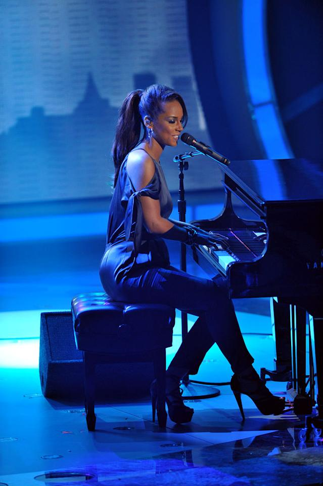 "Alicia Keys performs on <a href=""/american-idol/show/34934"">""Idol Gives Back.""</a>"