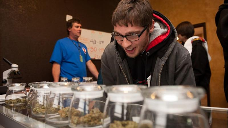 Colorado Pot Buyers in High Spirits Lining Up for Legalized Sales