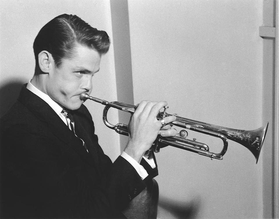 <p>Chet Baker was not only a skilled trumpeter; he also had the smoothest, most seductive singing voice of his time. During the '40s, when Baker was just beginning his career, his handsome, trendy look — with pomaded hair and chiseled features — helped his fame flourish into superstardom. He's among fashion's all-time favorite men, and was once photographed and filmed by legendary photographer Bruce Weber. <i>(Photo: Alamy)</i></p>