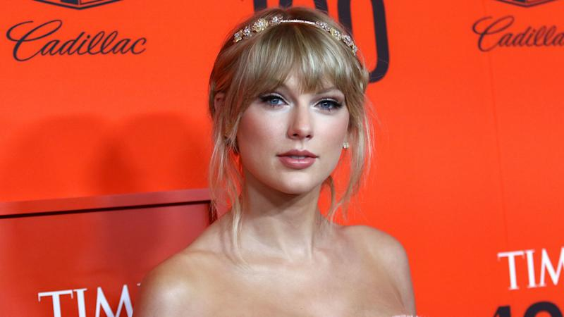 Taylor Swift reveals mother's brain tumour diagnosis