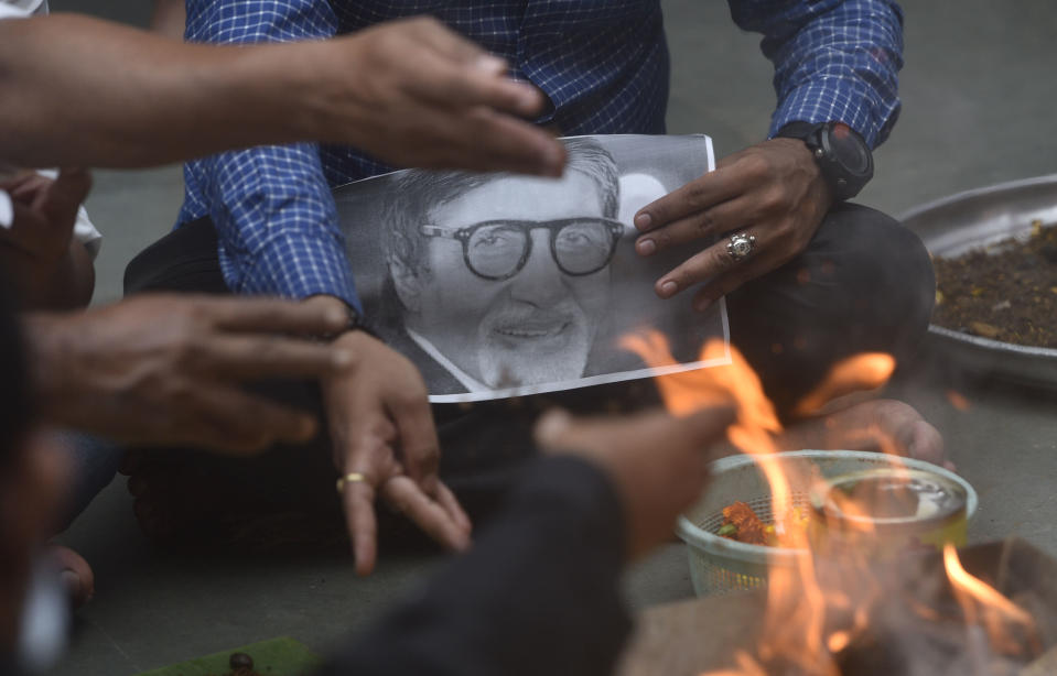 Havan is being performed for speedy recovery of actor Amitabh Bachchan after he was tested positive for Coronavirus, at Kandivali west, on July 12, in Mumbai, India. (Photo by Satyabrata Tripathy/Hindustan Times via Getty Images)