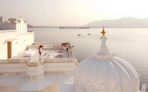 tak lake palace, udaipur, india