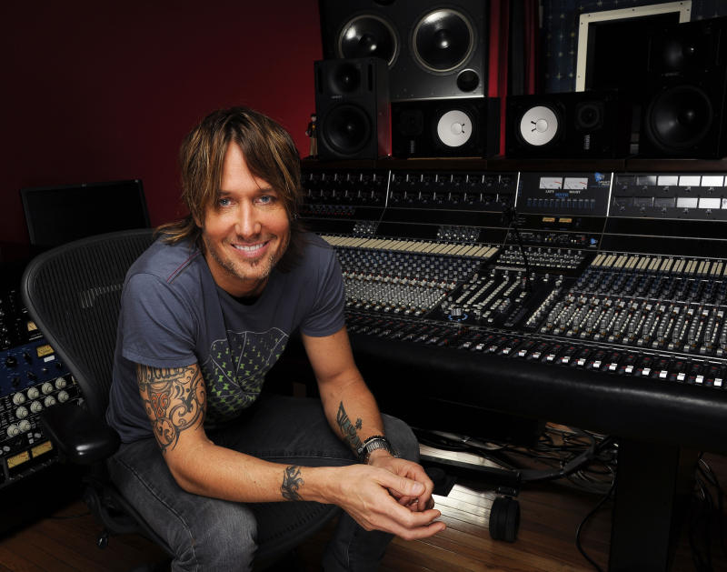 Keith Urban pulls in team of 8 producers on 'Fuse'