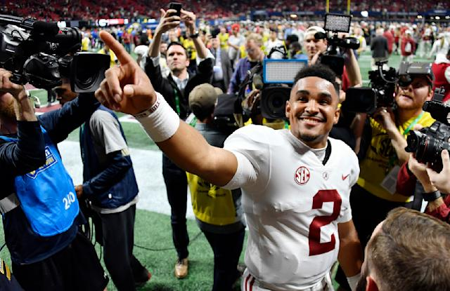 "With his name in the transfer portal, Alabama quarterback <a class=""link rapid-noclick-resp"" href=""/ncaaf/players/264323/"" data-ylk=""slk:Jalen Hurts"">Jalen Hurts</a> (2) is free to speak with other schools. (AP Photo/John Amis, File)"