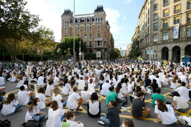 As restriction Spain tighten, many are taking to the streets to protest, often requesting more help from the government