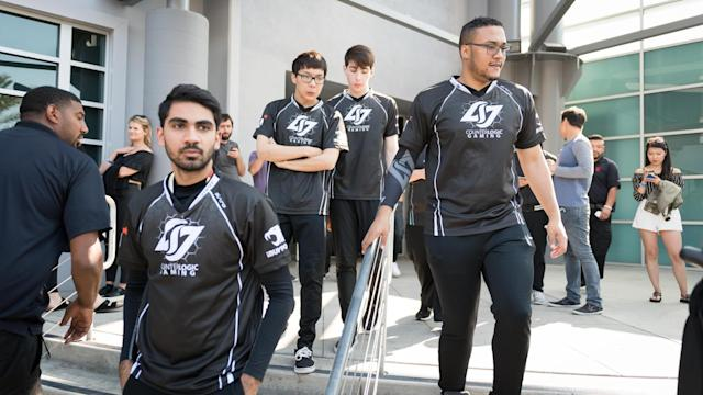 CLG took their loss to FlyQuest poorly (Jeremy Wacker)