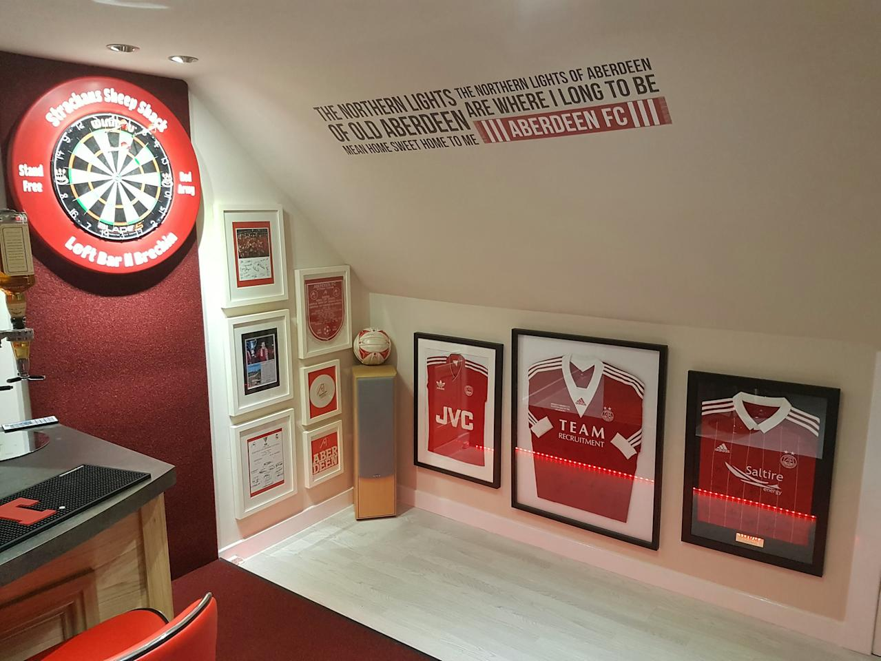 <p>The walls feature quotes about Aberdeen, the last Scottish winners of a European trophy and the last winners of the Scottish top flight league outside the Old Firm. </p>