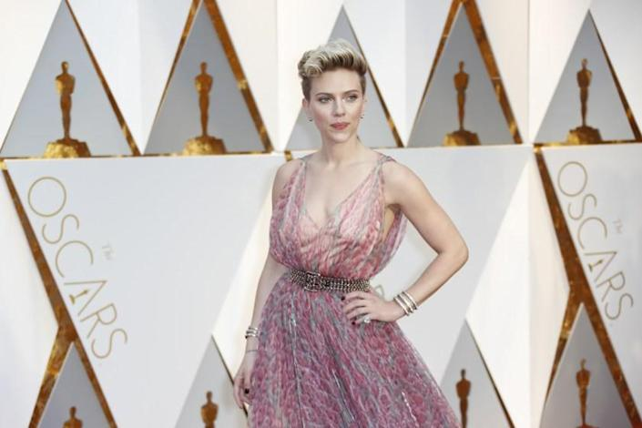 HOLLYWOOD, CA - February 26, 2017 Scarlett Johansson during the arrivals at the 89th Academy Awards on Sunday, February 26, 2017 at the Dolby Theatre at Hollywood & Highland Center in Hollywood, CA. (Jay L. Clendenin / Los Angeles Times)