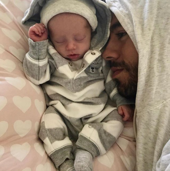 Naww. Hearts melted around the world when the Hero singer shared this. Source: Instagram/EnriqueIglesias