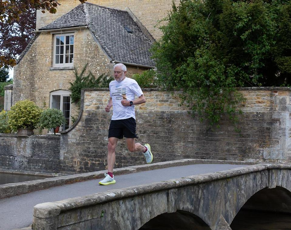 Neil Russell, who has Parkinson's, is taking on an 895-mile run from John O'Groats to Land's End to raise money for charity