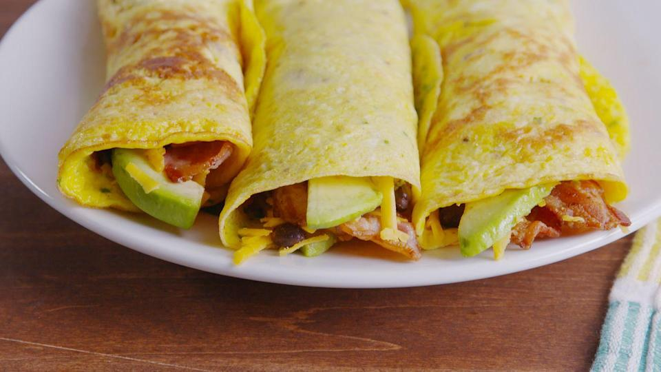 <p><strong><strong>Nathan's Meal Plan</strong></strong></p><p><strong>Breakfast:</strong> Smoothie, egg wrap, yogurt and corn flakes</p><p><strong>Snack:</strong> yogurt, fruit, Special K bars</p><p><strong>Lunch:</strong> Meat-based sandwich, yogurt, fruit</p><p><strong>Dinner:</strong> Carbs like rice, pasta or bread with a protein such as fish, red meat or chicken, plus a vegetable and, occasionally, some soup</p>