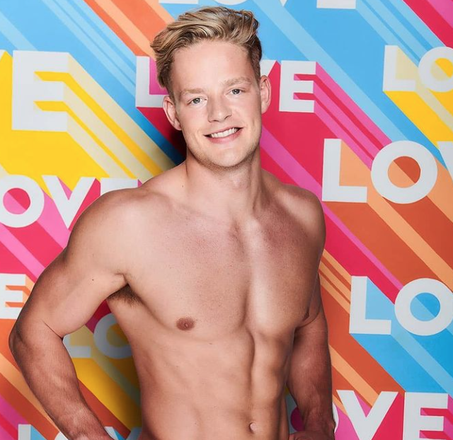"""<p>Ollie caused quite the stir before his time on Winter Love Island even began, when photos of him hunting animals surfaced online. Despite the controversy, Ollie still made his way into the villa, resulting in ITV receiving over 400 Ofcom complaints (via <a href=""""https://metro.co.uk/2020/01/14/love-island-ofcom-complaints-ollie-williams-double-467-ahead-shock-exit-12059191/"""" rel=""""nofollow noopener"""" target=""""_blank"""" data-ylk=""""slk:Metro"""" class=""""link rapid-noclick-resp"""">Metro</a>). </p><p><a href=""""https://www.cosmopolitan.com/uk/entertainment/a30515186/love-island-ollie-williams-quits/"""" rel=""""nofollow noopener"""" target=""""_blank"""" data-ylk=""""slk:Ollie left just three days into the series"""" class=""""link rapid-noclick-resp"""">Ollie left just three days into the series</a>, telling viewers he was still in love with someone on the outside and wanted to """"follow his heart"""".<br></p>"""