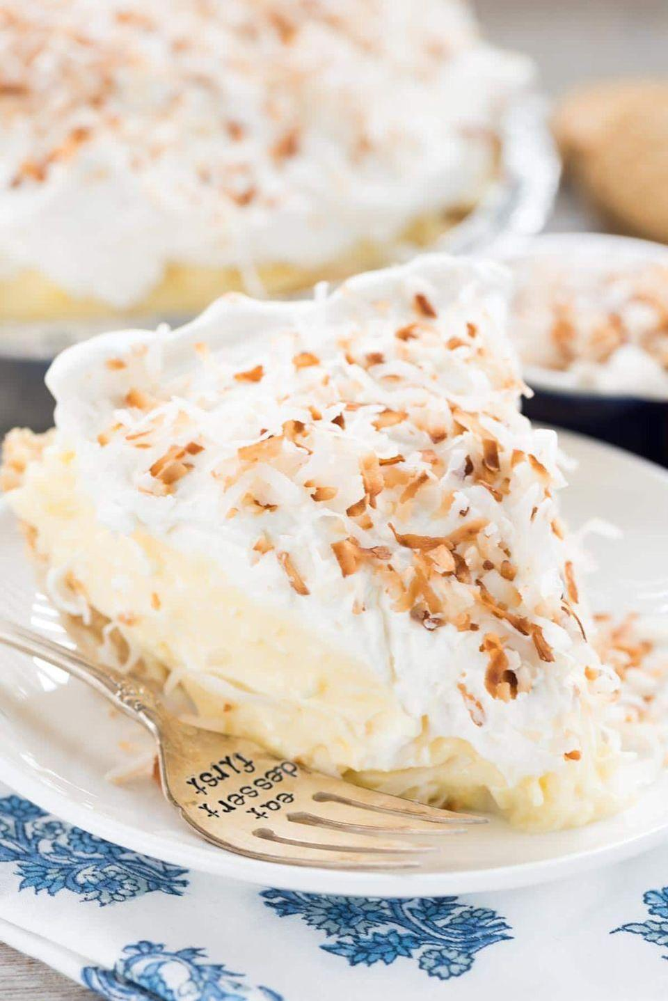 "<p>Coconut lovers will devour this creamy, nutty pie. This version is no-bake so it's so easy to make!</p><p><strong>Get the recipe at <a href=""https://www.crazyforcrust.com/easy-no-bake-coconut-cream-pie/"" rel=""nofollow noopener"" target=""_blank"" data-ylk=""slk:Crazy for Crust"" class=""link rapid-noclick-resp"">Crazy for Crust</a>.</strong></p><p><strong><a class=""link rapid-noclick-resp"" href=""https://go.redirectingat.com?id=74968X1596630&url=https%3A%2F%2Fwww.walmart.com%2Fbrowse%2Fhome%2Fpie-dishes-tart-pans%2F4044_623679_8455465_4674050%3Ffacet%3Dbrand%253AThe%2BPioneer%2BWoman&sref=https%3A%2F%2Fwww.thepioneerwoman.com%2Ffood-cooking%2Fmeals-menus%2Fg35408493%2Feaster-desserts%2F"" rel=""nofollow noopener"" target=""_blank"" data-ylk=""slk:SHOP PIE PLATES"">SHOP PIE PLATES</a><br></strong></p>"