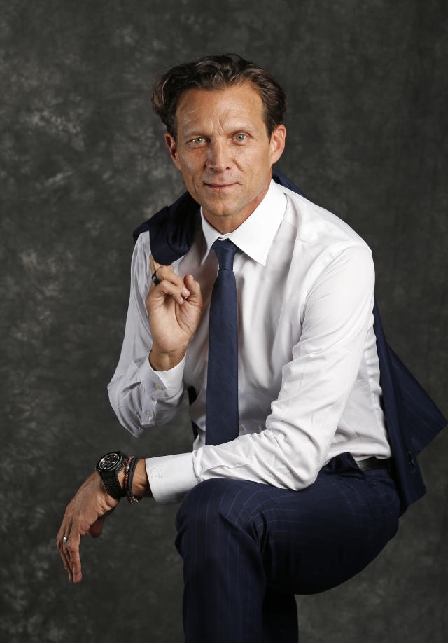 """<p>Quin Snyder: """"I'm here to audition for the 'Wings' reboot.""""<br>Cameraman: """"Um, Quin, you realize — ah, screw it."""" [takes picture anyway]<br>(AP) </p>"""