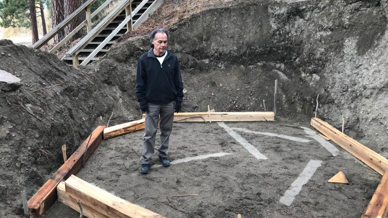 New sweat lodge at Shuswap Lake aims to draw tourists