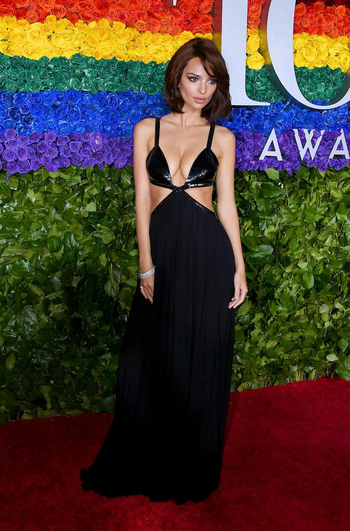 The supermodel is no stranger to a daring look and the 2019 Tony Awards gave the 28-year-old the chance to don a cut-away Michael Kors ensemble - complete with a new bob. <em>[Photo: Getty]</em>