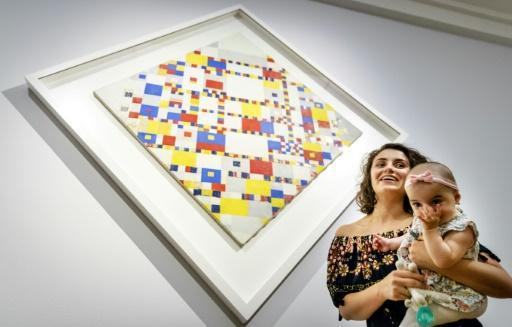 Boogie Woogie, Baby!: Dutch infants take a shine to Mondrian
