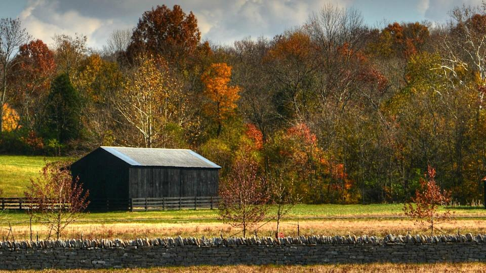 Barn with beautiful fall colors.